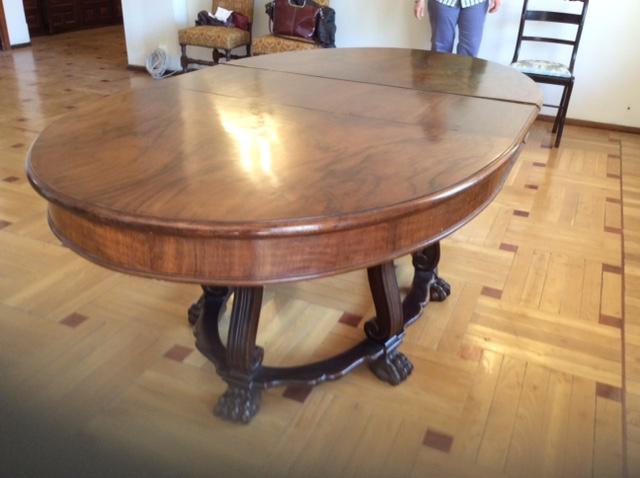 Mesa comedor antigua 01 – Alquiler y Venta