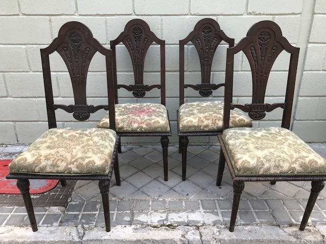 Silla comedor antigua 09 (4 Ud y sofa). – Alquiler y Venta