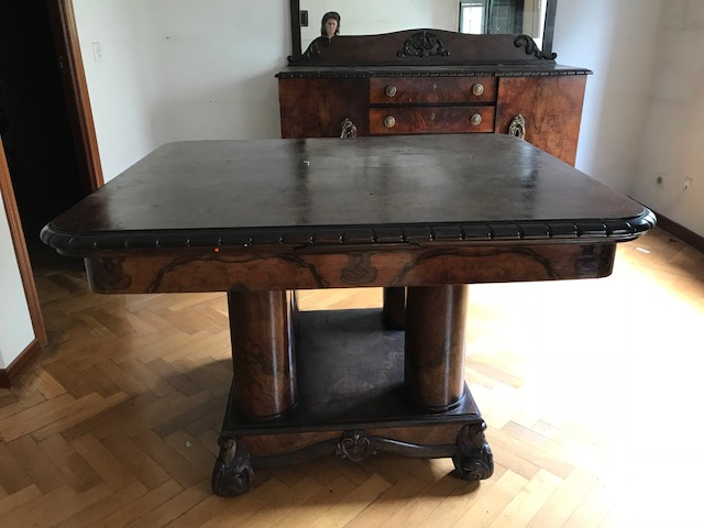 Mesa comedor antigua 03 – Alquiler y Venta